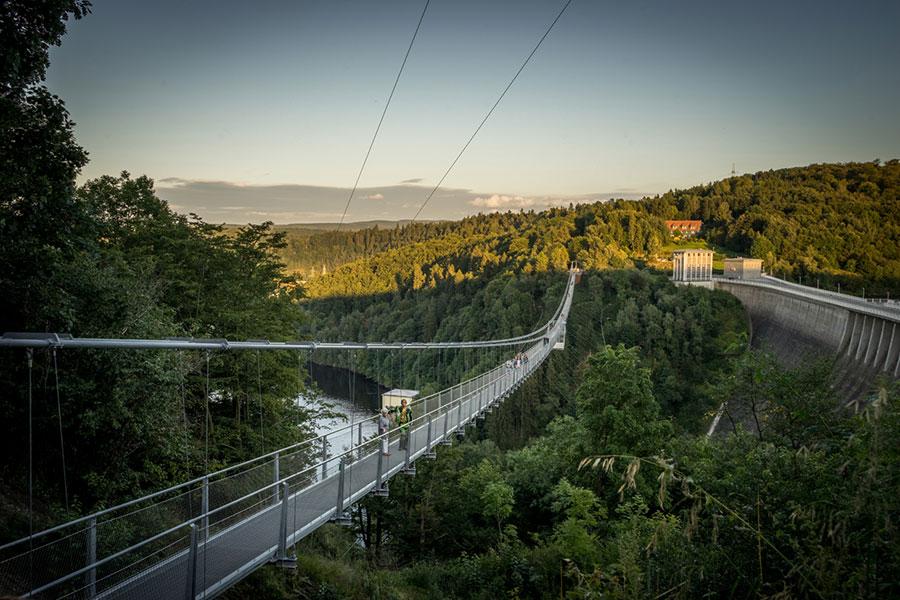 Titan RT Hängebrücke