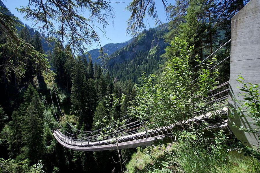Traversina Hängebrücke Bild: Viamala Tourismus