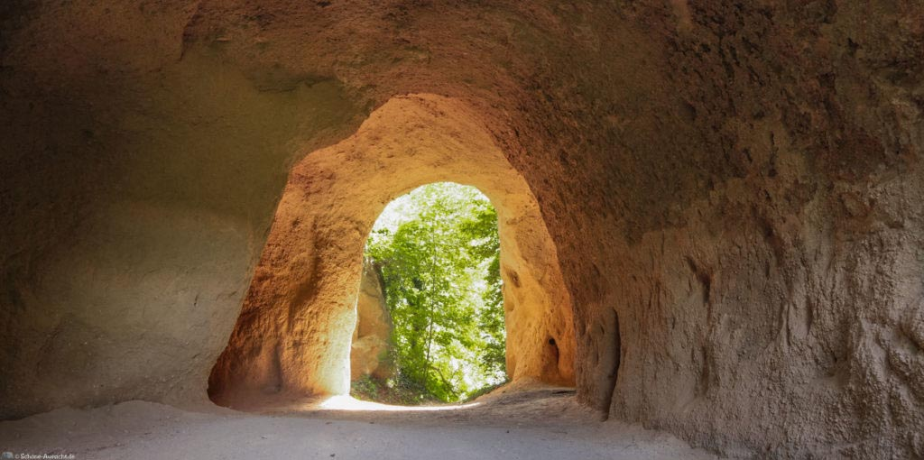 Höhlen- und Schluchtensteig Kell 75